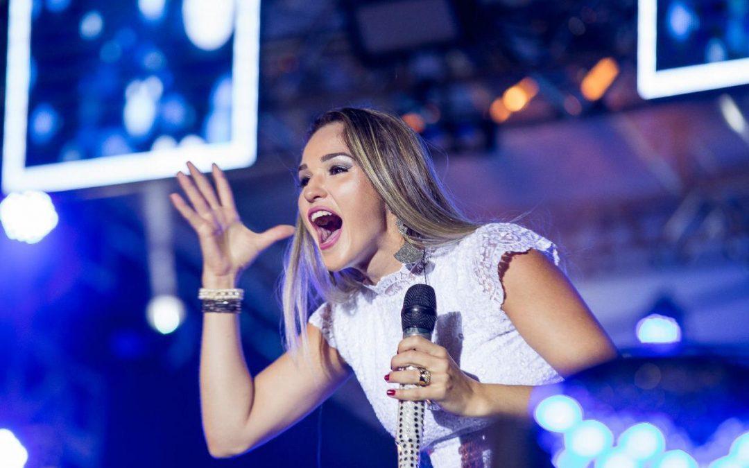 Cantora baiana Izy Monteiro é a atração do aniversário da Zona Noroeste